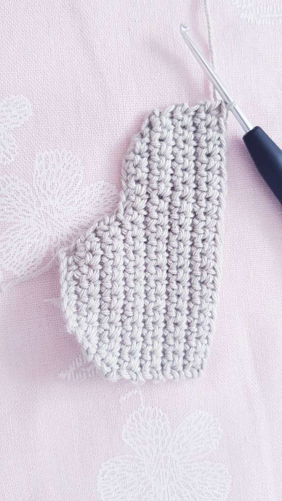 Free instructions for crocheting simple clouds
